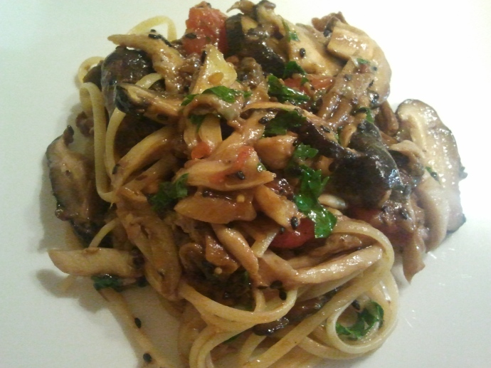 Linguine with a ragout of oriental mushrooms
