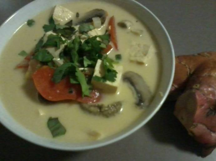 Tom Kha Gai (Thai Coconut Soup)
